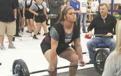 Girls Powerlifting Photos