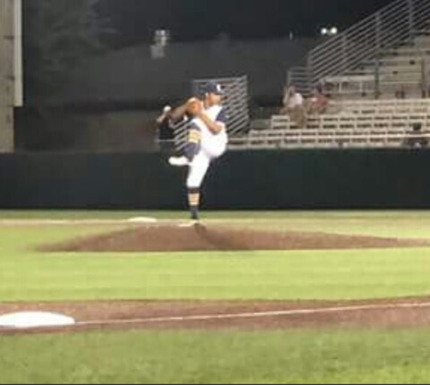 Daniel Luna deals with Benbrook's lineup of players and keeps Stephenville in the lead.