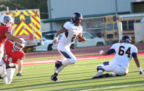 Jackets QB injured during Homecoming