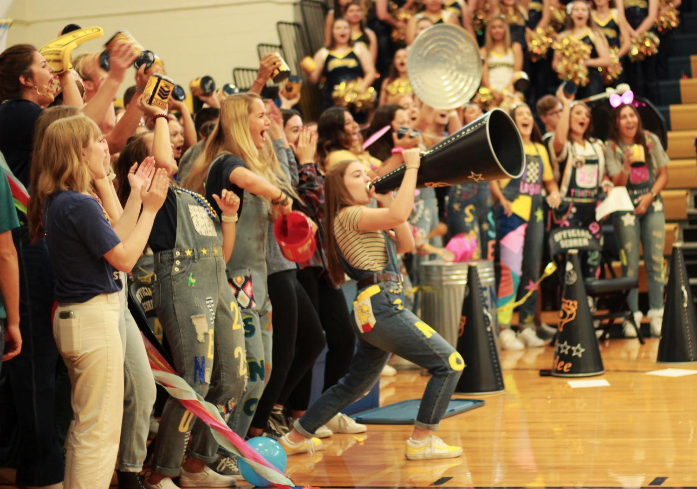 Seniors get loud for the spirit stick.